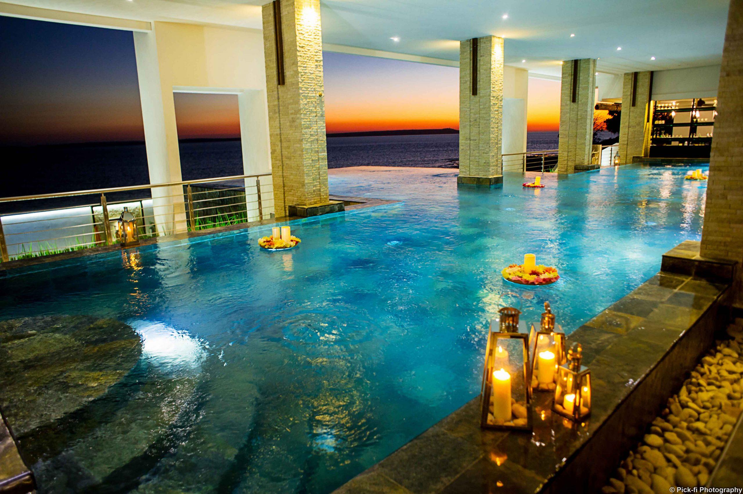 Bord de piscine mariage baobab tree hotel & Spa mahajanga