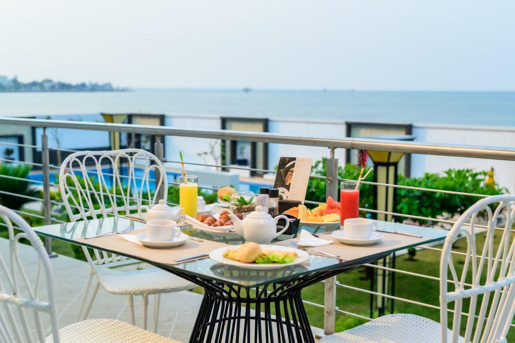 Restaurant Betsy View boabab tree hotel & spa majunga